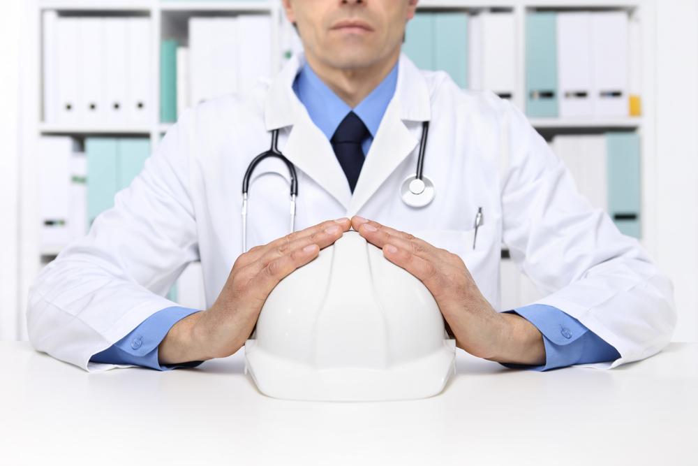 Rientro al lavoro, cosa deve fare il medico competente